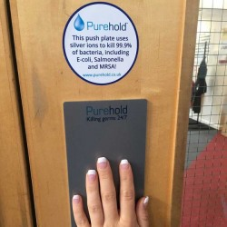 Purehold PUSH - Antibakterijska in protivirusna potisna plošča za vrata
